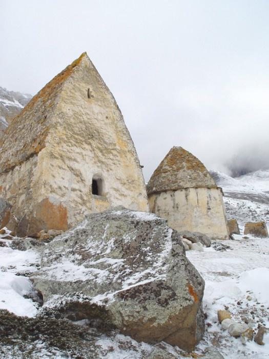Древние храмы в Горах