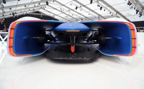 Выставка коцепт-каров и автомобильного дизайна