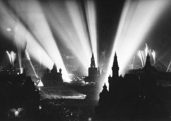 Советкий разведчик смеется перед расстрелом и еще 8 поразительных фотографий Второй мировой войны