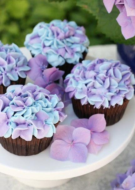 Возможные способы использования кондитерских насадок для украшения тортов и пирожных.