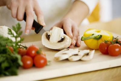 10 навыков опытного кулинара, о которых надо знать