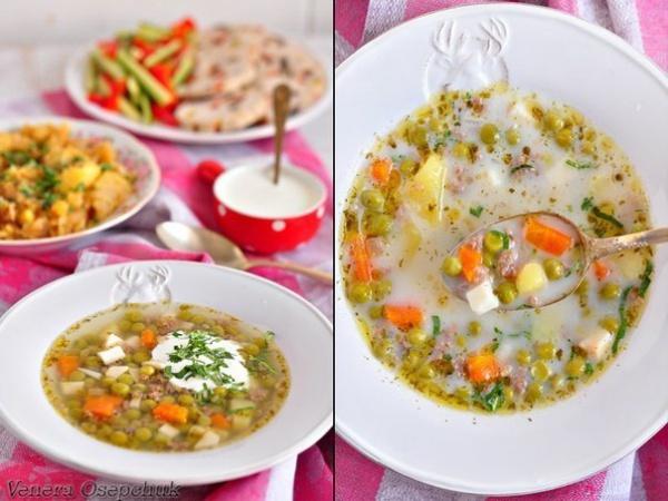 Суп с зеленым горошком, фаршем и копченым сыром