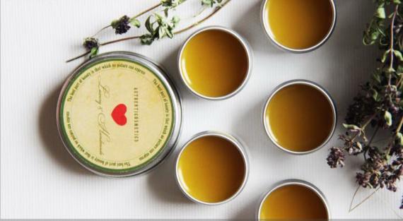 Как сделать бальзам для губ из масел и пчелиного воска